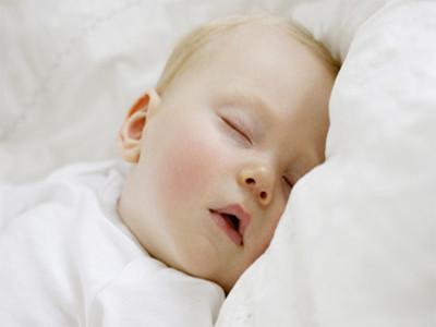 宝宝白天不睡觉妙招 妈妈再也不用担心宝宝睡不饱了
