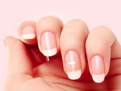 手指甲上有白斑怎么回事 五大疾病让指甲出现异状