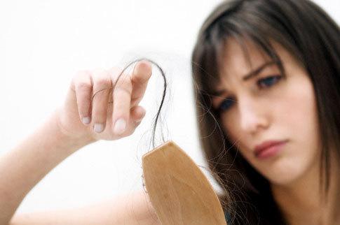 掉头发吃什么好_掉头发很厉害怎么办_经常掉头发是什么原因